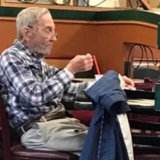 97 Year Old War Veteran Dines Alone Every Single Day…Then the Staff Do Something GREAT