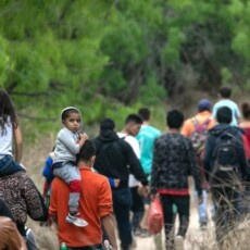 White House Defends Migration by Family Separation
